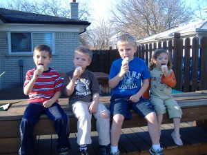 Brody (cousin), Isaac, Mac (cousin) and Gracelyn eating ice cream.